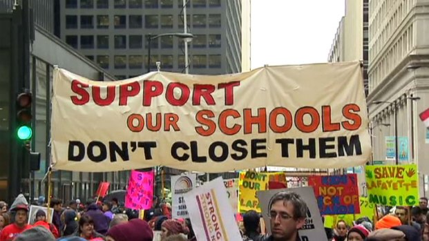 [CHI] Teachers Hold Massive Rally in Loop