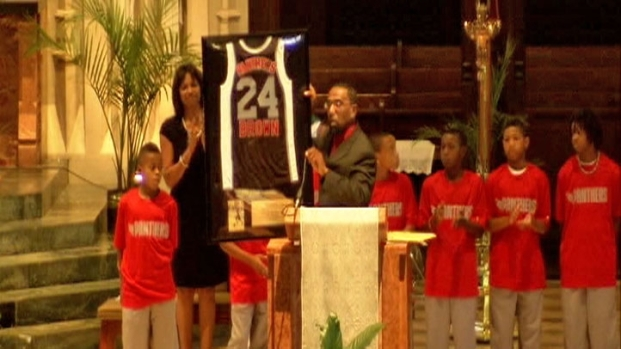 [CHI] Boy Shot, Killed on Basketball Court Laid to Rest