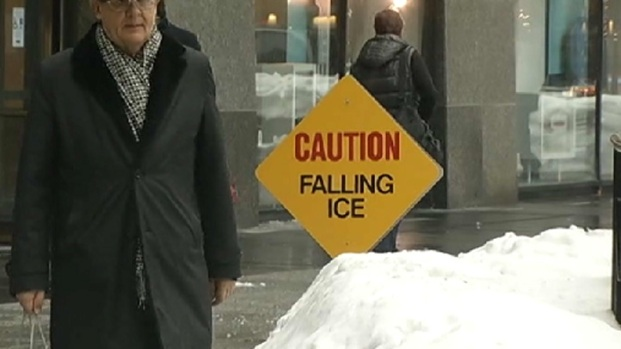 [CHI] Ice Falls from Hancock Building