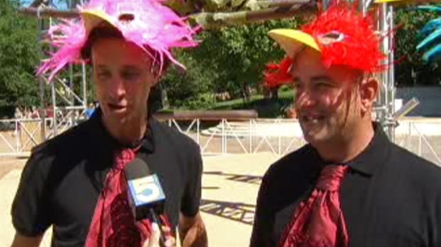 [CHI] Three Men to Inhabit Birds Nest at Zoo