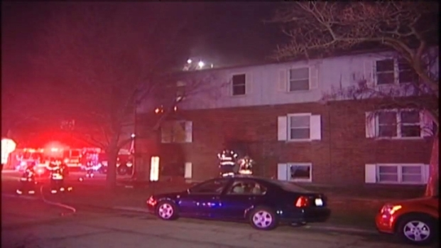 [CHI] Raw: 11 Displaced In Lyons Apartment Fire
