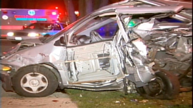 [CHI] 3 Hurt, Multiple Cars Destroyed in High-Speed Crash