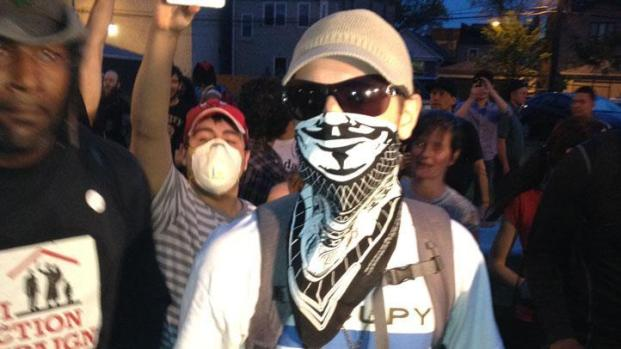 [CHI] Bridgeport Residents Scuffle With Protesters