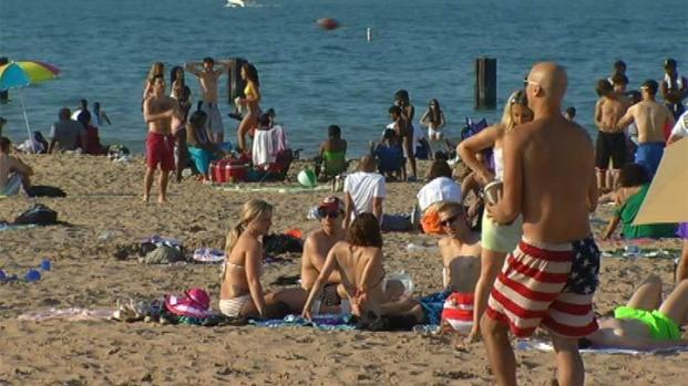 [CHI] Police on North Ave. Beach Child Abduction Attempt