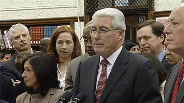[CHI] Illinois Politicians Back Licenses for Undocumented Immigrants