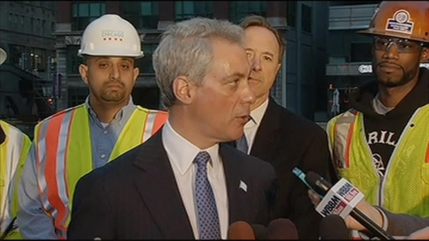 [CHI] Emanuel Calls Wells Street Bridge Completion 'Engineering Feat'