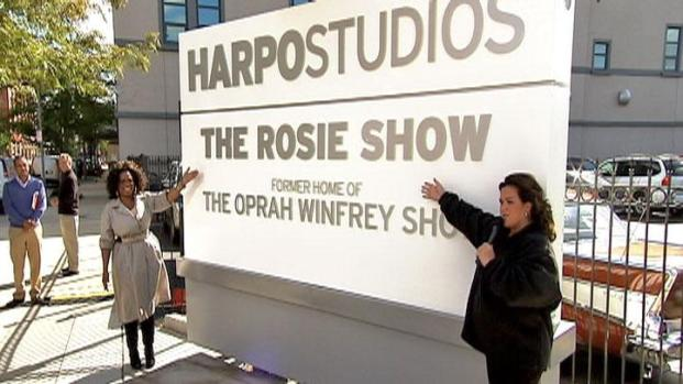 [CHI] Oprah, Rosie Unveil New Harpo Studios Sign