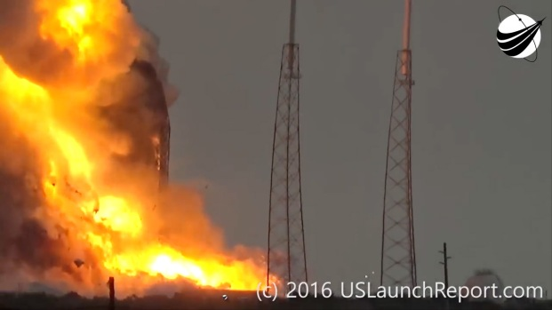 [NATL] Watch: SpaceX Rocket Explodes on Launch Pad During Test