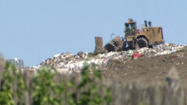 [CHI] Crews Search Landfill for Missing Baby