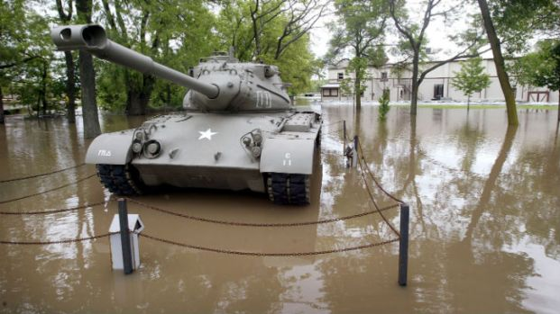 15 Most Memorable Flood Photos