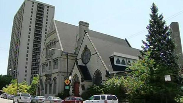 [CHI] Churches, Hostels Welcome NATO Protesters