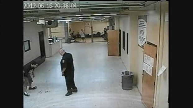 [CHI] Surveillance Video: Officer Strikes Inmate
