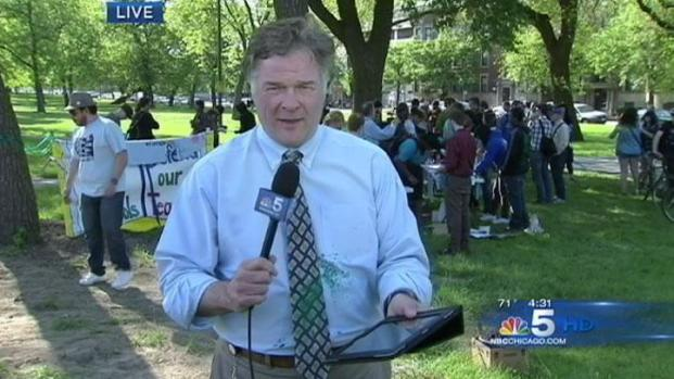 [CHI] Reporter Tagged During Anti-NATO Demonstration