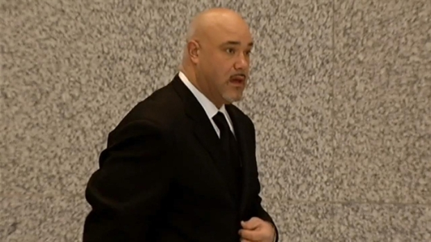 [CHI] Ex-Bear Chris Zorich Arrives For Court