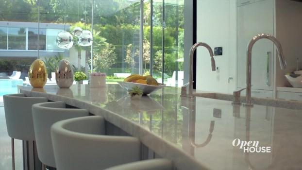 An Ultra-Modern Beverly Hills Masterpiece