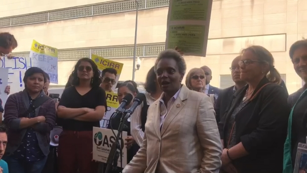 Mayor Lightfoot Joins Protest Outside ICE Press Conference