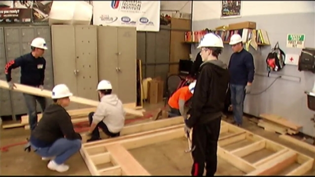 Students Help Build Home for Veteran