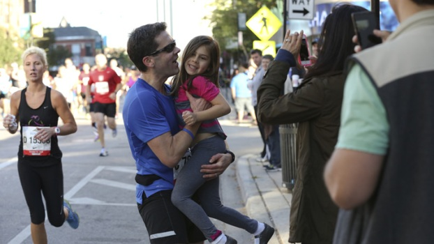 Marathon Training Tips: Track Your Friends