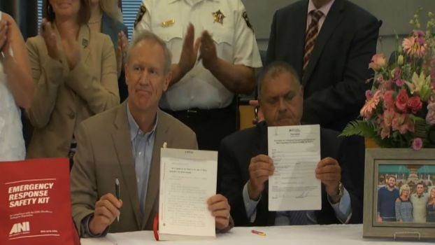 Rauner Signs Law Allowing Officers to be Equipped with EpiPens