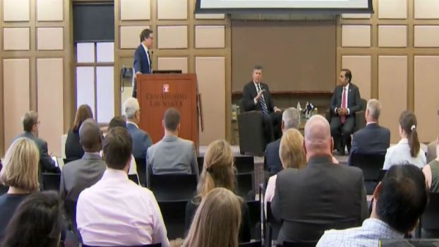 The Topic That Unties Congressmen at Bipartisan Town Hall in Chicago