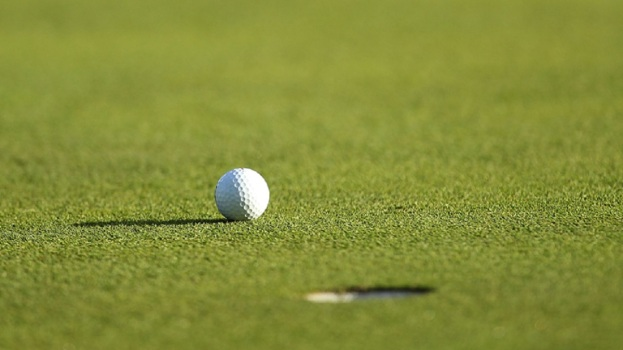 Program Aims to Expose Minorities Students to Golf