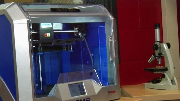 Former Student Donates STEAM Lab to Area School