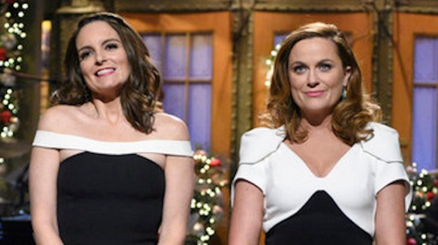 'SNL': Fey, Poehler Reunite Hillary Clinton and Sarah Palin