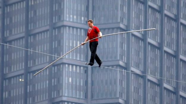 Nik Wallenda To Walk Between Chicago Skyscrapers