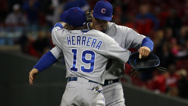 Cubs Score 4 in 11th Inning to Beat Reds