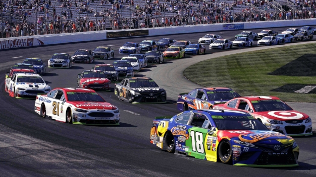 No NASCAR Anthem Protests After Executives' Warnings