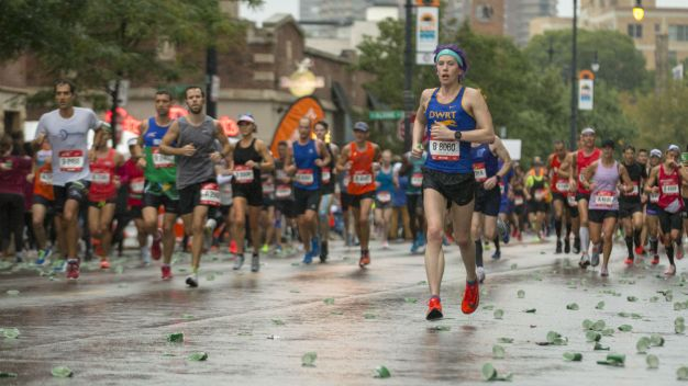 Re-Live Some of the Best 2018 Chicago Marathon Moments