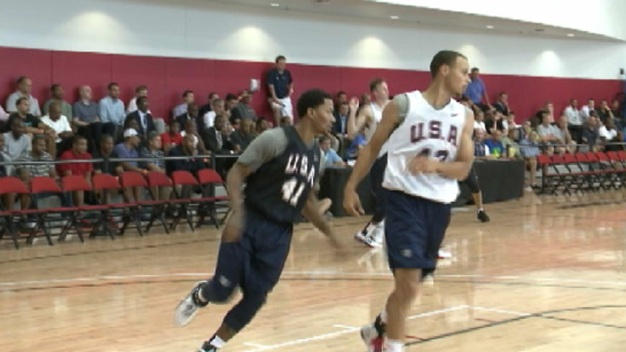 Derrick Rose Scrimmages in Public for Team U.S.A.
