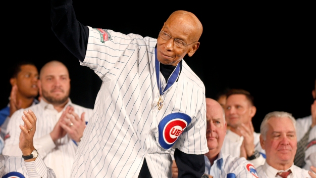 Ernie Banks' Sons Fight Father's Will Giving Assets to Agent