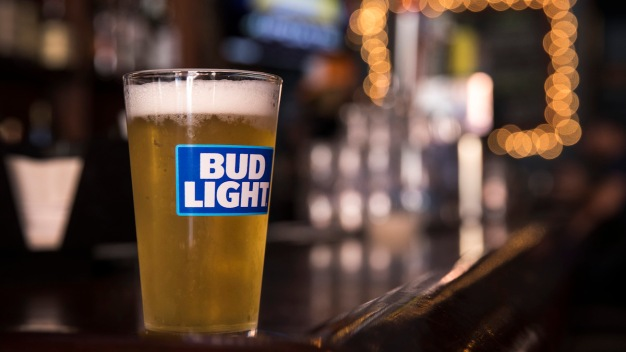 Bud Light Brewer Accuses MillerCoors of Stealing Recipe