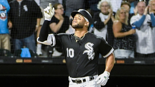Yoán Moncada, White Sox Score Win Over Rangers