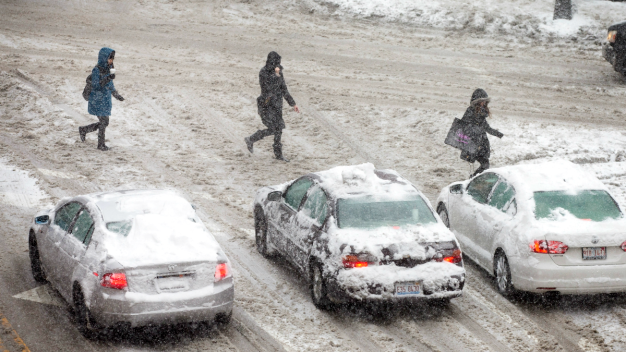 Winter Storm Warning Takes Effect Across the Chicago Area