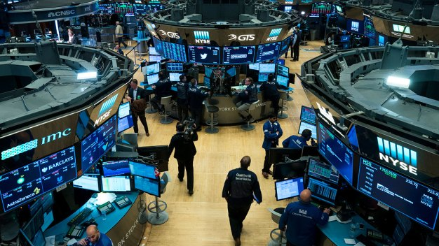 Dow Drops 600 Points, Erases 2018 Gains as Target Drags Down
