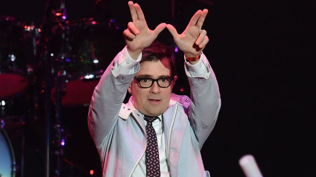 Weezer to Perform at Winter Classic