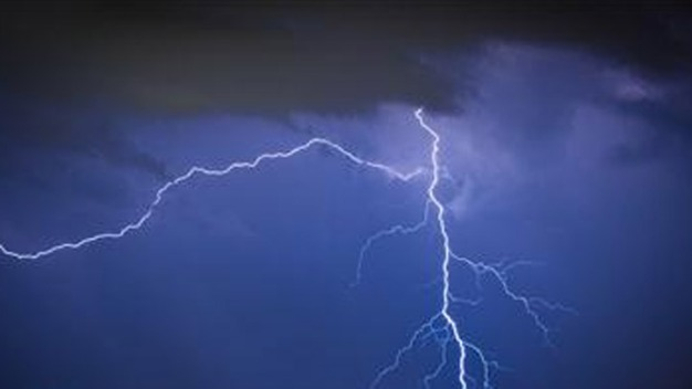 Tornado, Thunderstorm Warnings Issued in Chicago Area