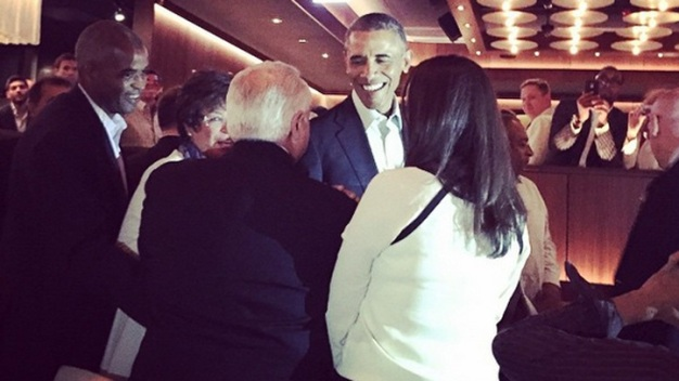 Obama Surprises Diners at River North Steakhouse