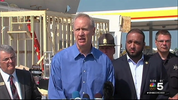 Governor Rauner Tours Tornado Damage in Pontiac