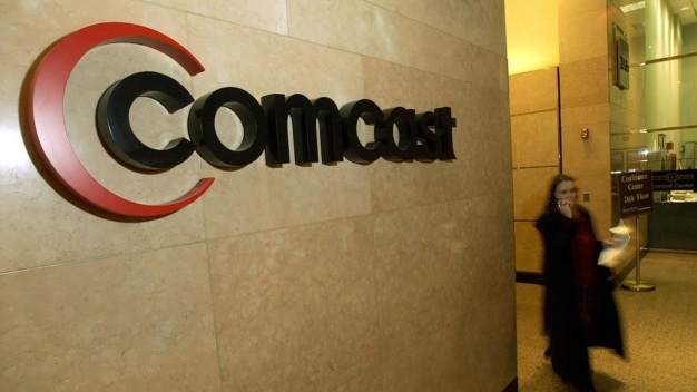 Comcast Hires 200 Employees in Chicago Area