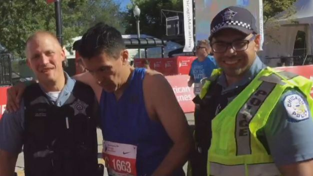 Cops Help Runner With Broken Hip Finish Chicago Marathon