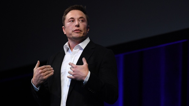 Musk Projects Mars Spaceship Ready for Short Trips in 2019
