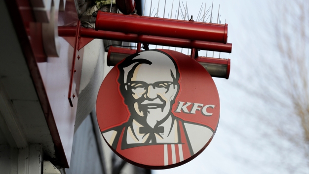 Family of KFC's Colonel Sanders Counters Papa John's Founder