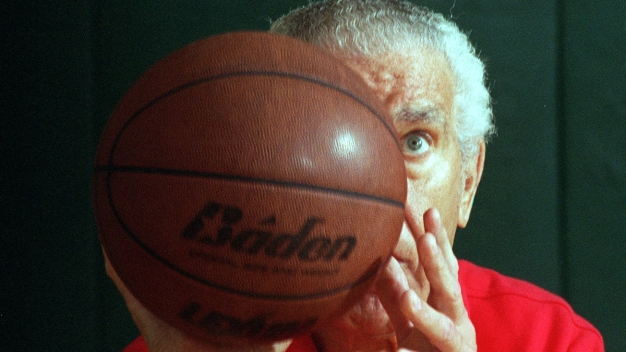 Podiatrist Who Set Free Throws World Record Dies at 94