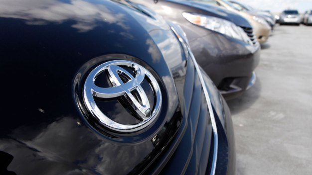 Toyota Recalls Some Sienna Minivans for Shifter Defect
