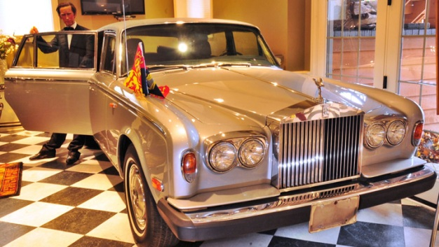 Museum Auctioning Princess Di Rolls Royce