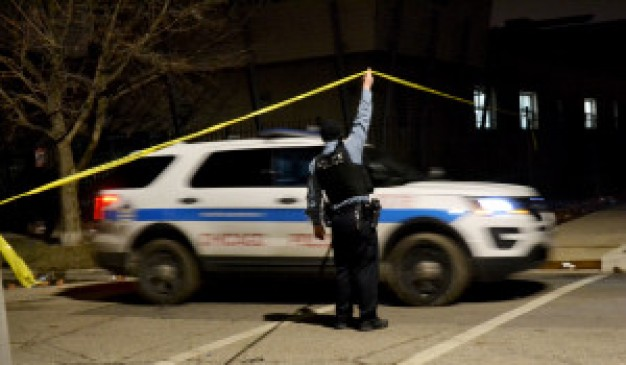 3 Dead, at Least 14 Injured in Shootings Across Chicago