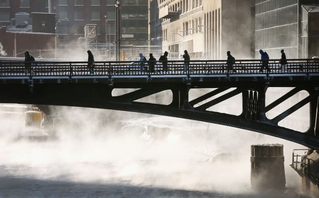 Chicago Fights Cold with 24-Hour Warming Center